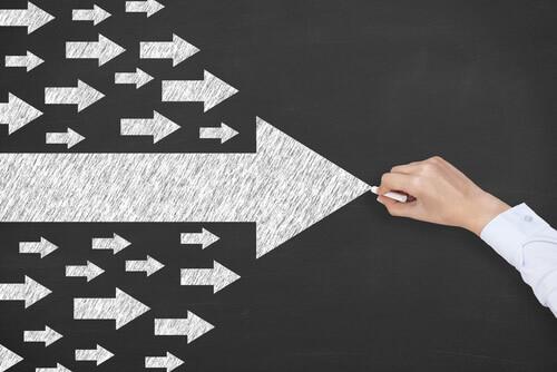 Arrows moving forward (leadership concept)